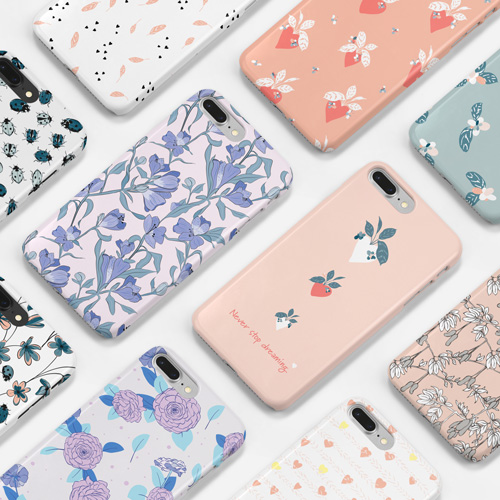 Picture of several illustrated phone cases with botanical pattern designed by Evelyn Kantioler..